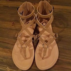 Tan / light brown guess gladiator sandals